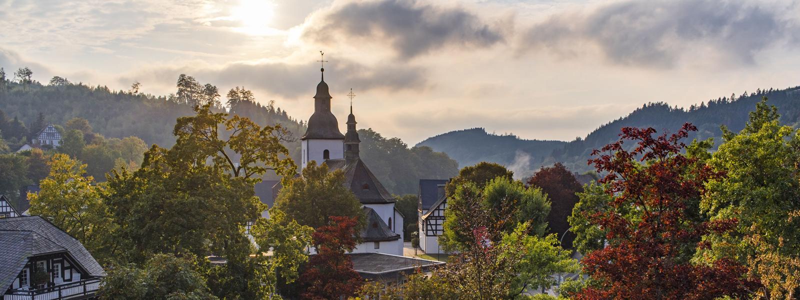 Hotelaussichten im Herbst für das Urlaubsangebot
