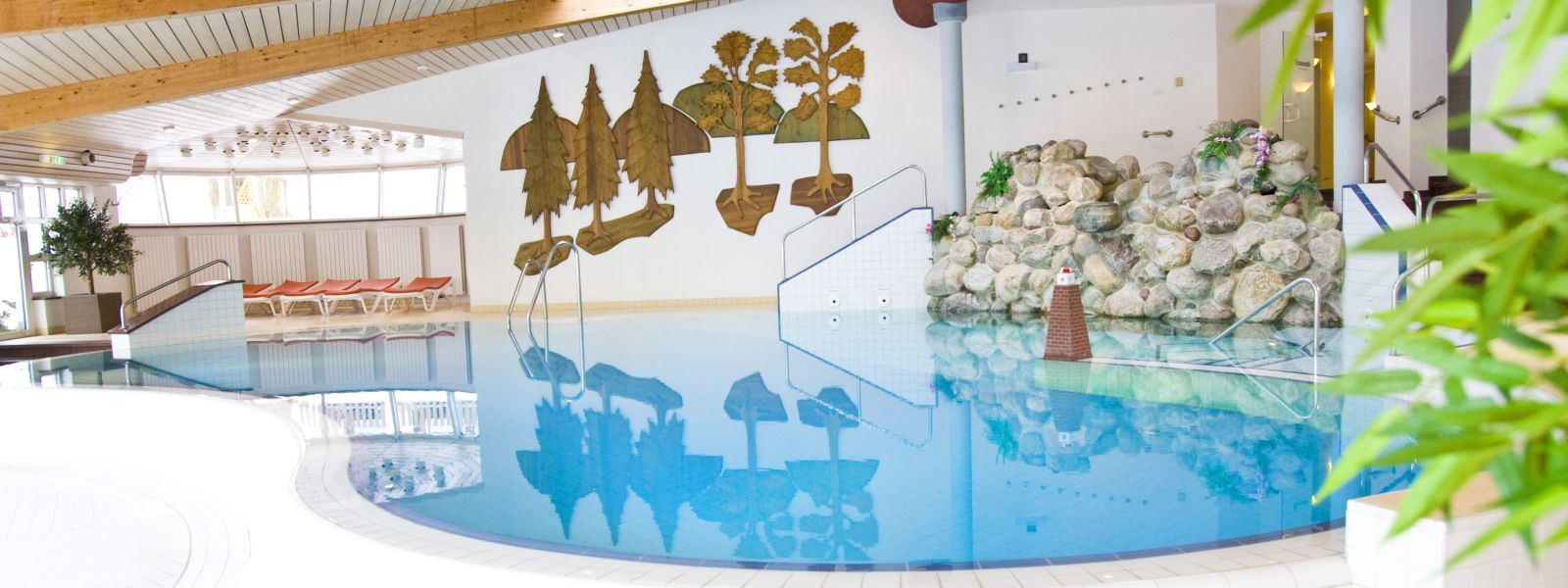 Großes Schwimmbad für den Familienurlaub im Jagdhaus Wiese